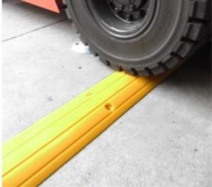 Drive Over Bund Kit, Polyurethane Heavy Duty, 1mL x 150mmW x 25mmH - includes ad